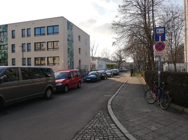 Verkehrsberuhigung an der 74. Grundschule